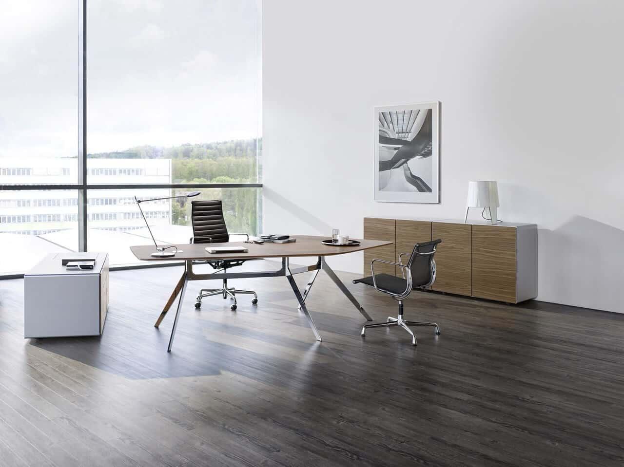 Das oval office b roeinrichtungen planungs und for Wohndesign einrichtungs gmbh
